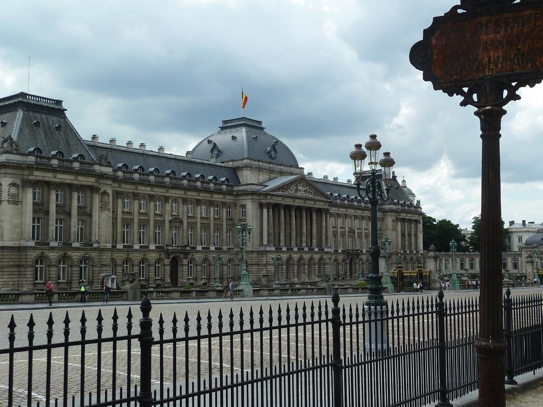Warandepark koninklijk paleis kunstberg de kleren van de keizer uit in brussel - Koninklijk kunstpaleis ...