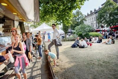 Les marchés bruxellois / Place du Châtelain - foto Sien Verstraeten (c) Muntpunt
