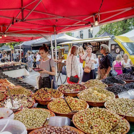 Markten in Brussel / Kasteleinsplein - foto Sien Verstraeten (c) Muntpunt
