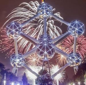 Vuurwerk aan het Atomium